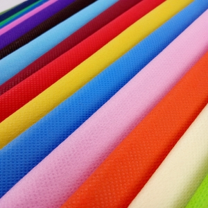 Colorful nonwoven fabric